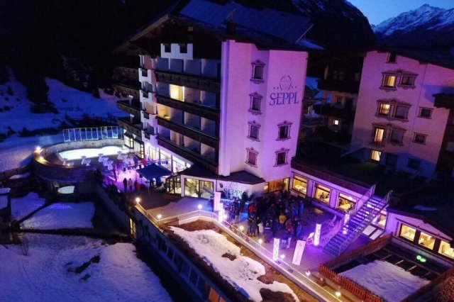 Hotel Seppl – Aprés Ski Party on the Terrace